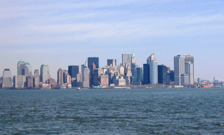 New Yorkin siluettia keväällä 2004 ilman WTCiä