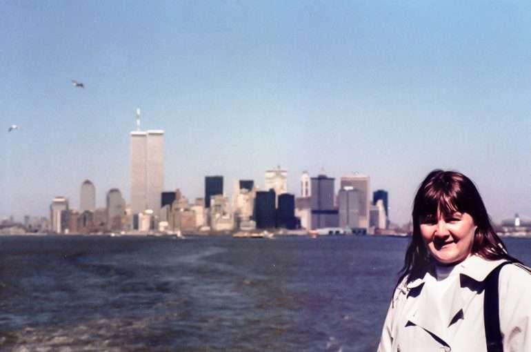 Pirkko New Yorkissa keväällä 1986 - taustalla vielä WTC:n tornit