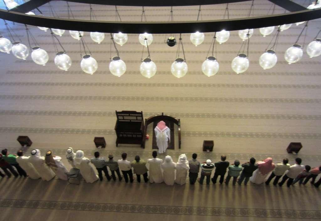 Rukoushetki moskeijassa - suhtautuivat kuvaamiseen yllättävän vapaamielisesti täällä