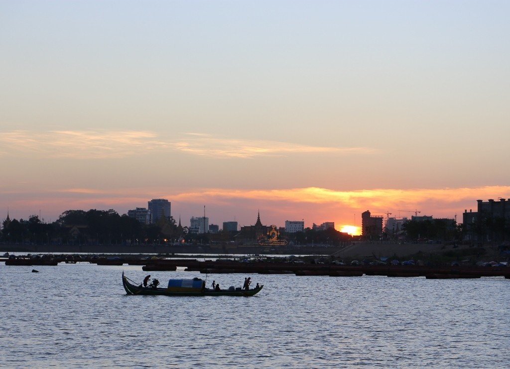 Phnom Penh sunset Mekong