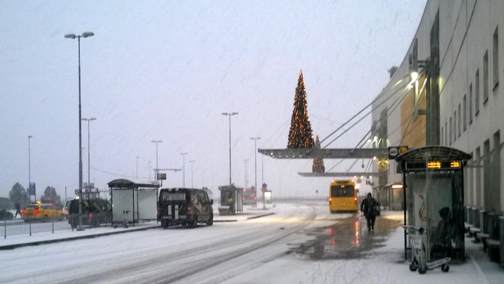 Finnairin kone myöhässä 5 tuntia