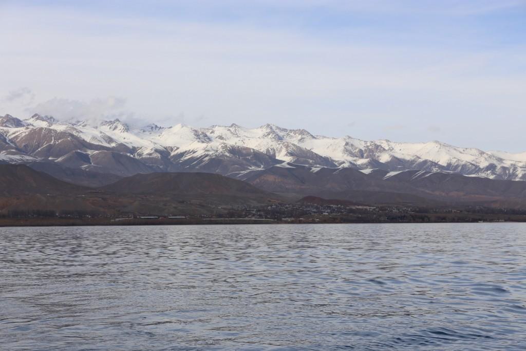 Issyk-Kul järvellä