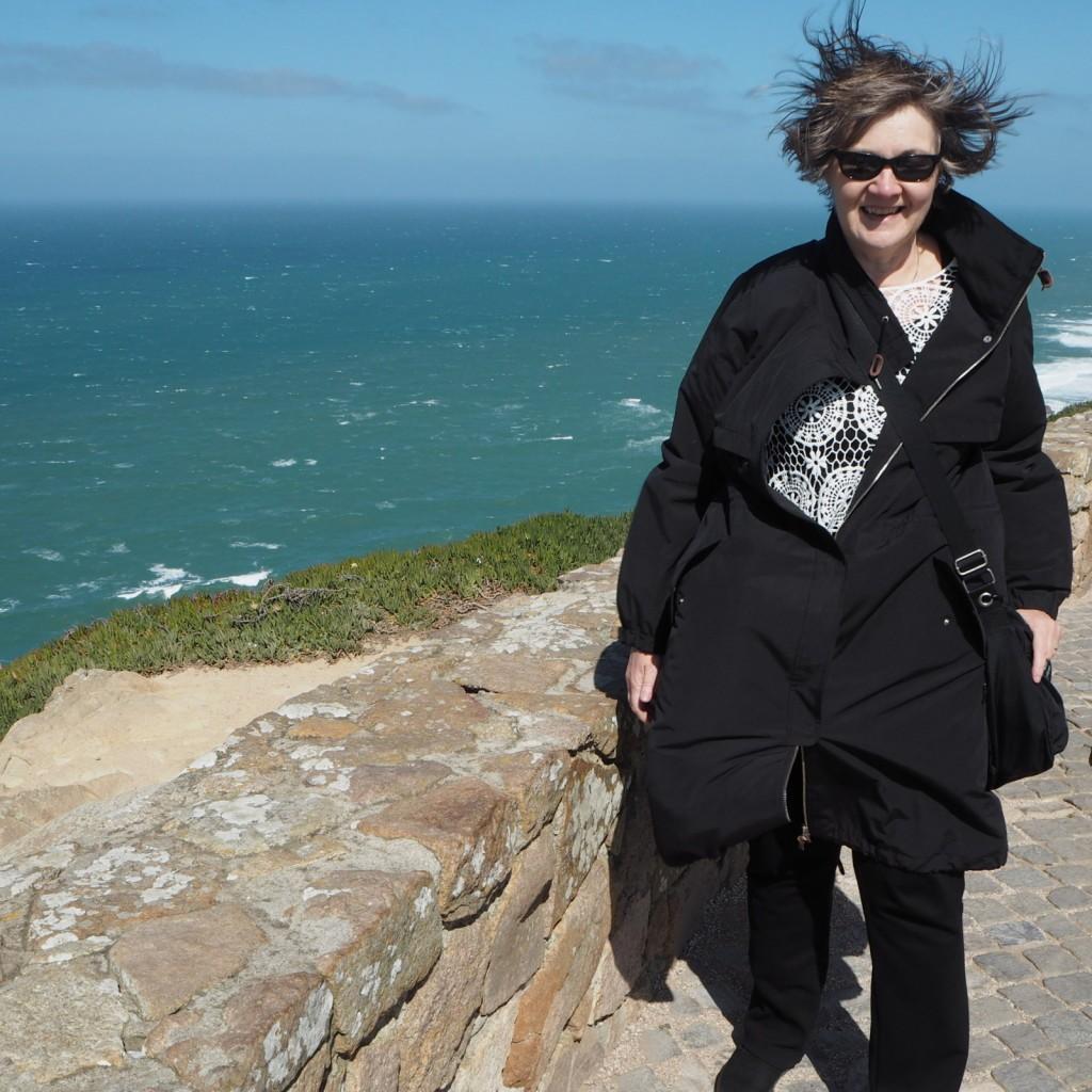 Capo da Roca ja turisti tuulessa