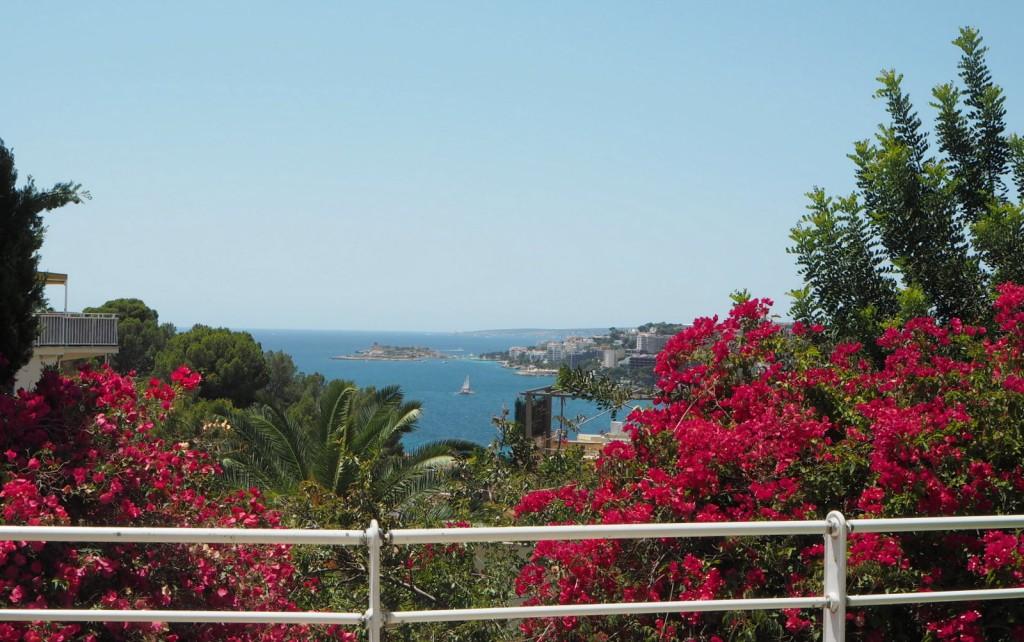 Näkymä Mirón työtilalta Välimerelle