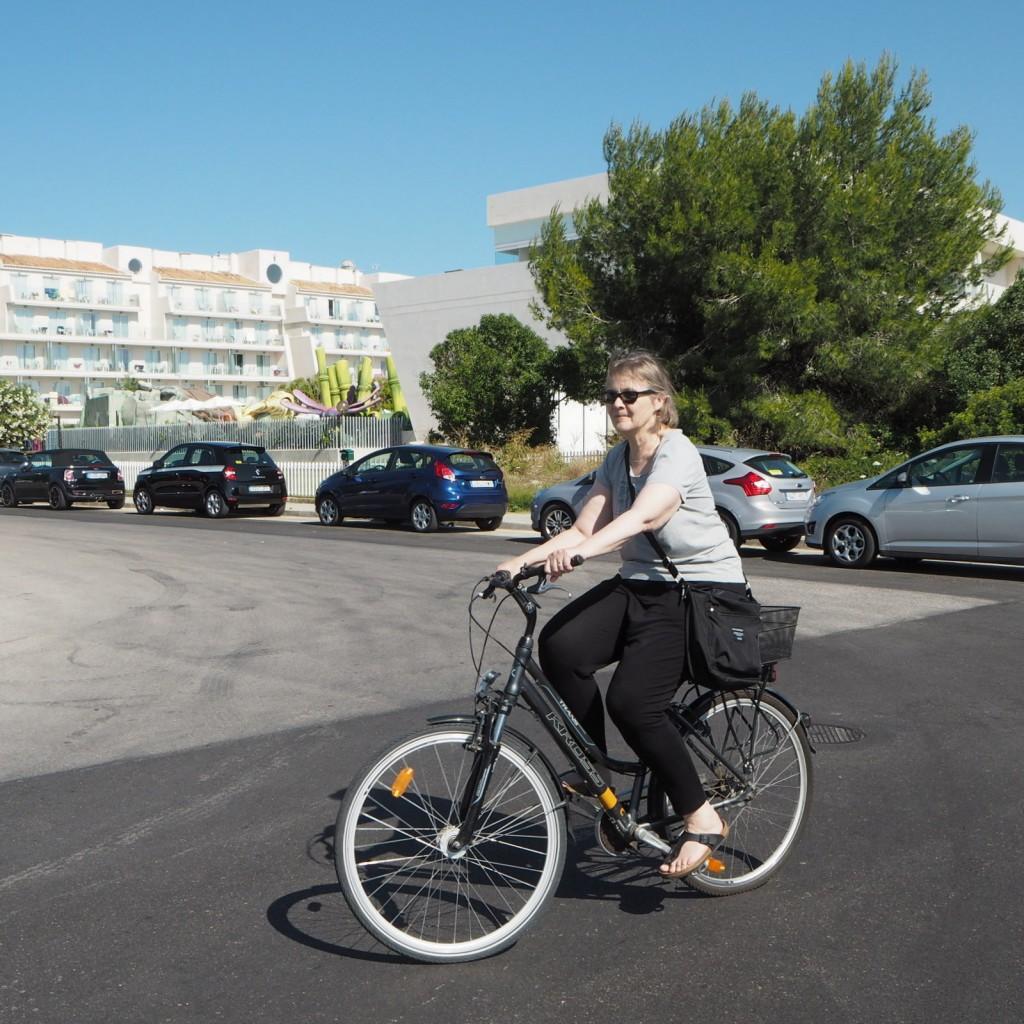 Pyöräilijä Mallorcalla