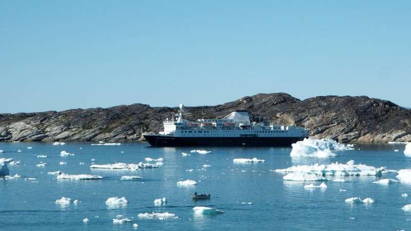 Ocean Endeavour Ilulissatin edustalla