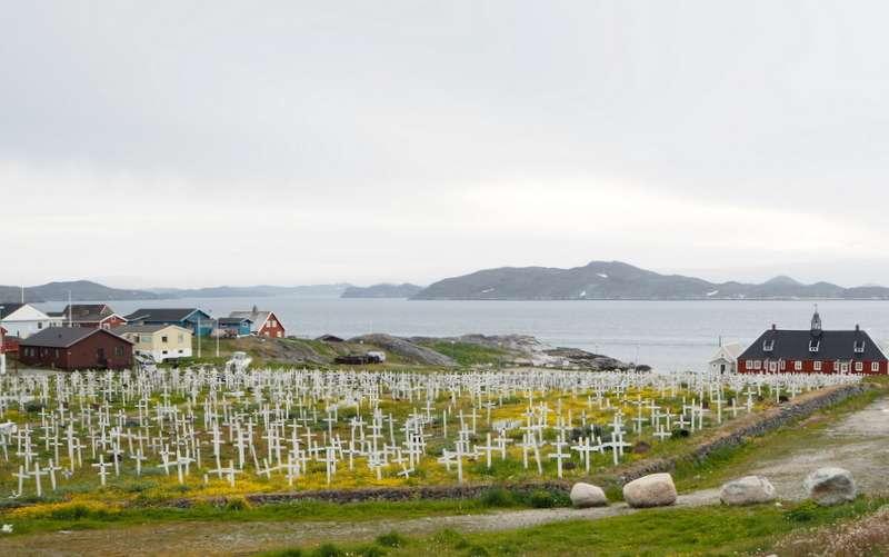 Nuuk hautausmaa meren rannalla