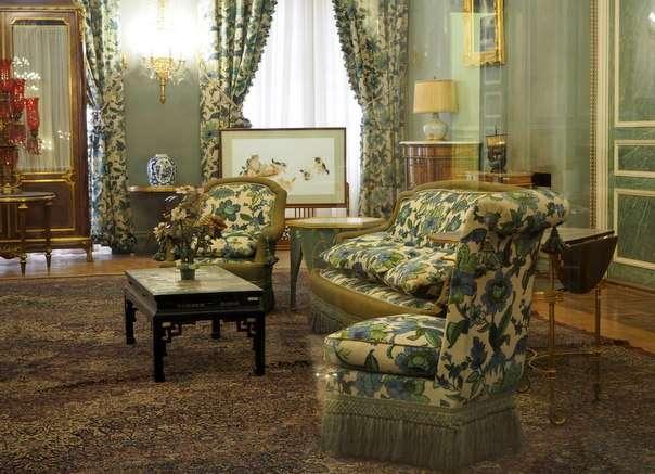 Melkein kiva olohuone - shaahin palatsi Teheran