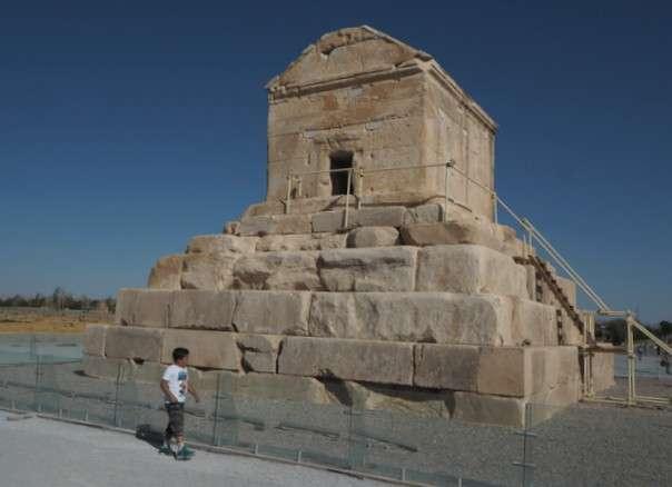 Pasargada Kyyroksen hauta Iran
