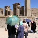 Naisten pukeutuminen Iranissa