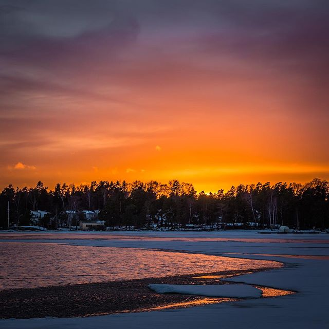 Helmikuun auringonlasku