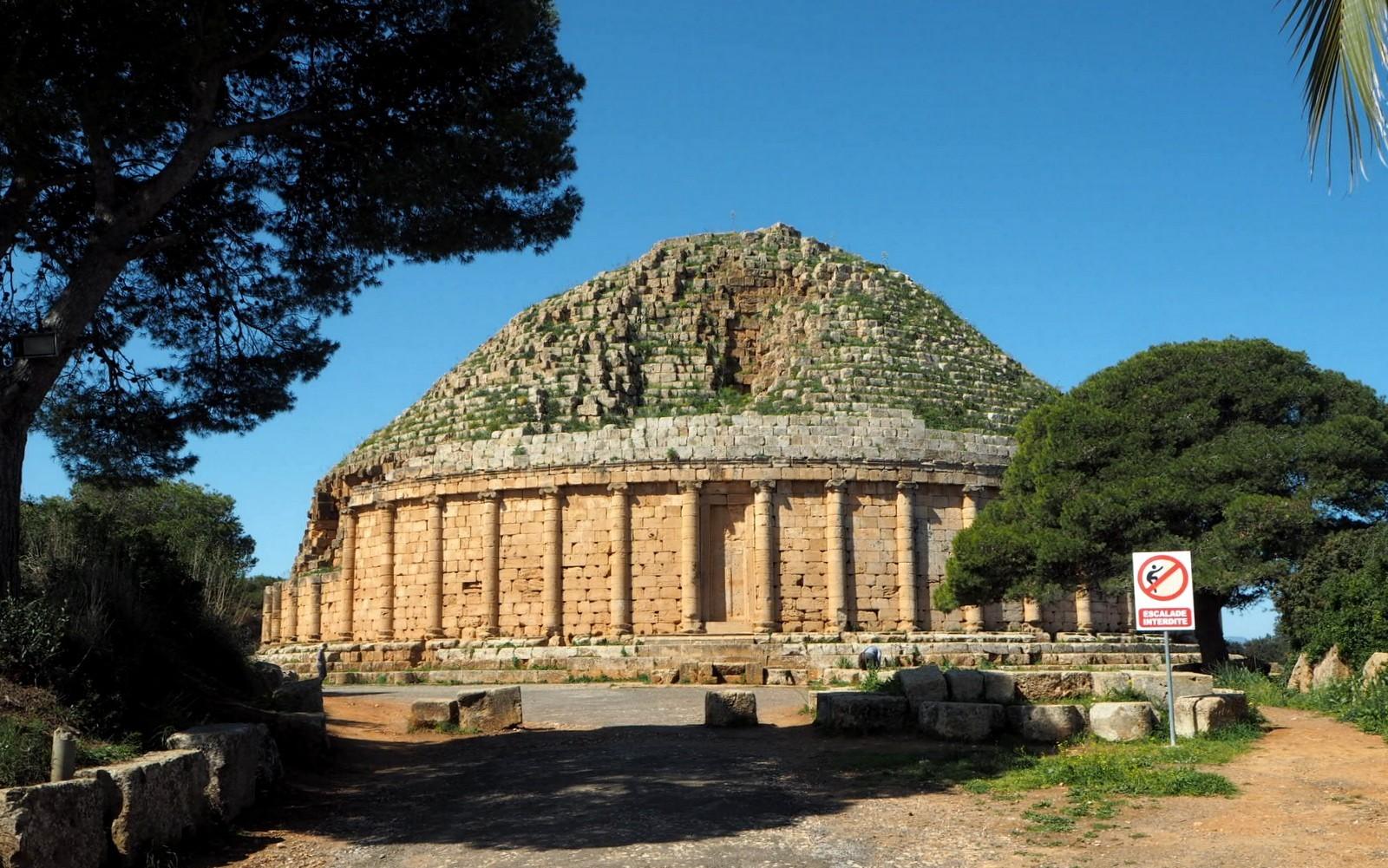 Kleopatran mausoleumi Algeria