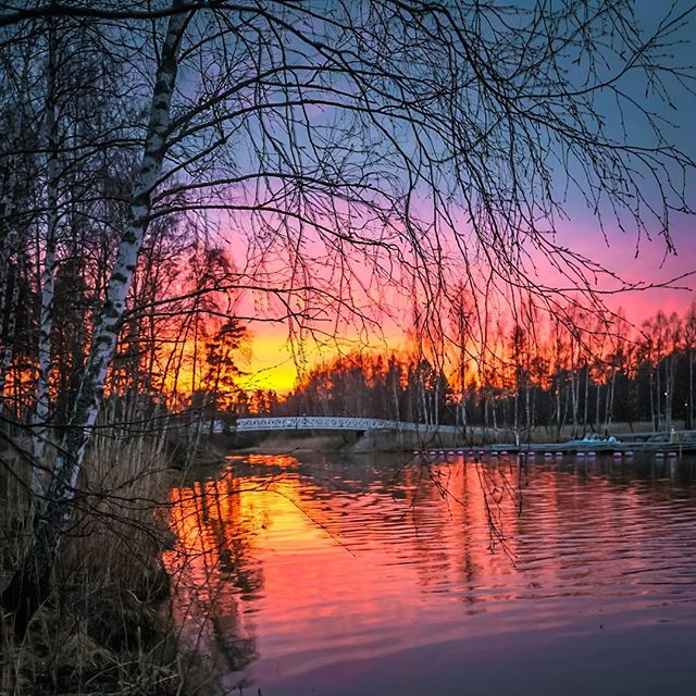 Auringonlasku Gräsanojalle