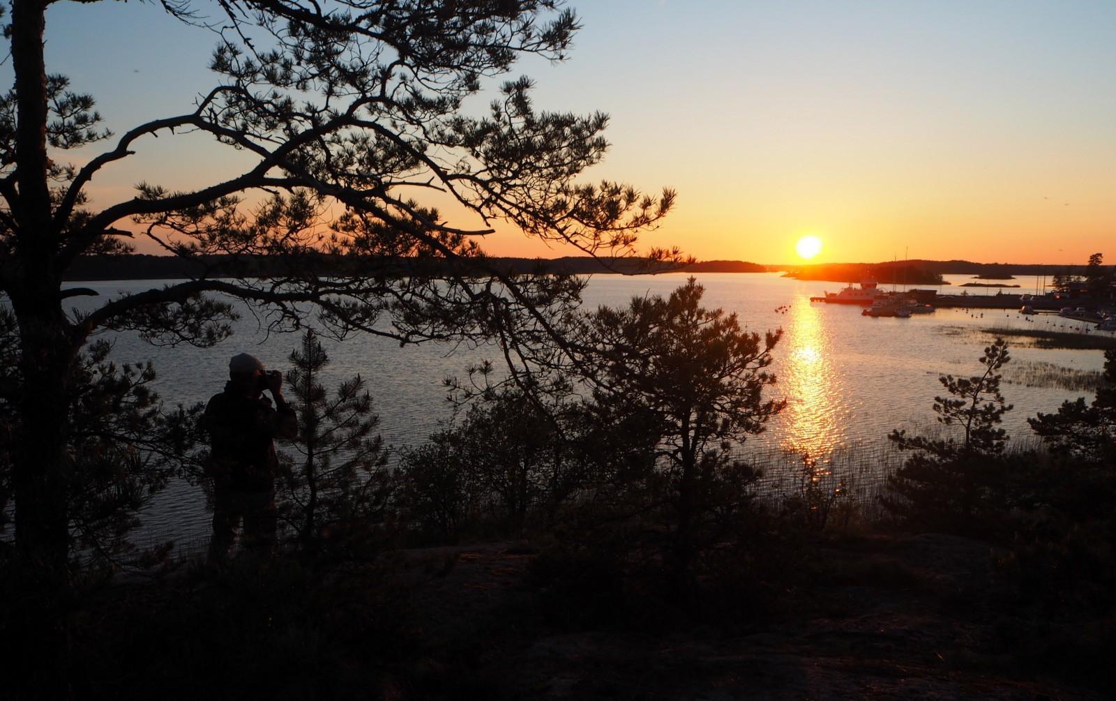 Auringonlasku Velkualla