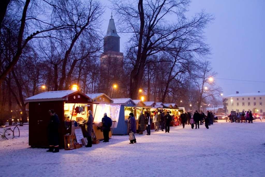vanhan-suurtorin-joulumarkkinat-2_kuva-esko-keski-oja