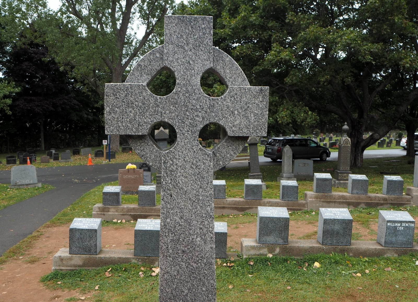Titanicin uhrien hautoja Halifaxin hautausmaalla