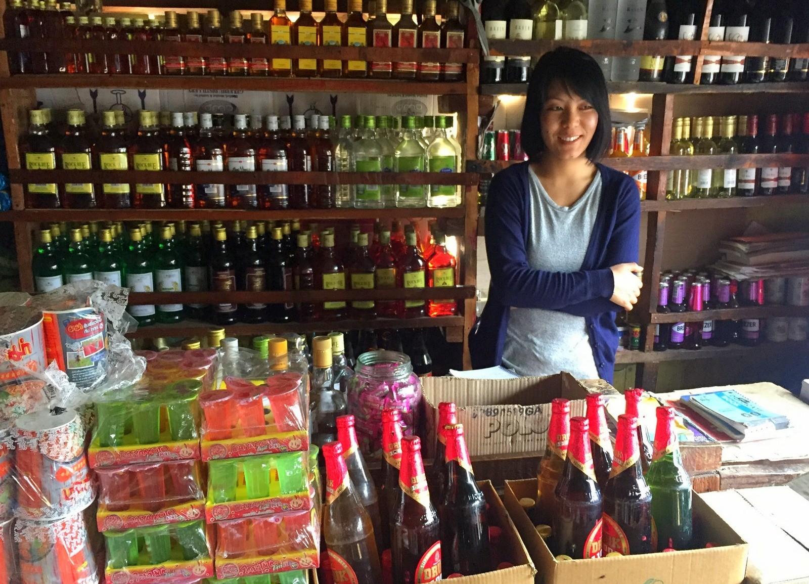 Kaupassa Punakhassa - juttu Bhutan kustannukset