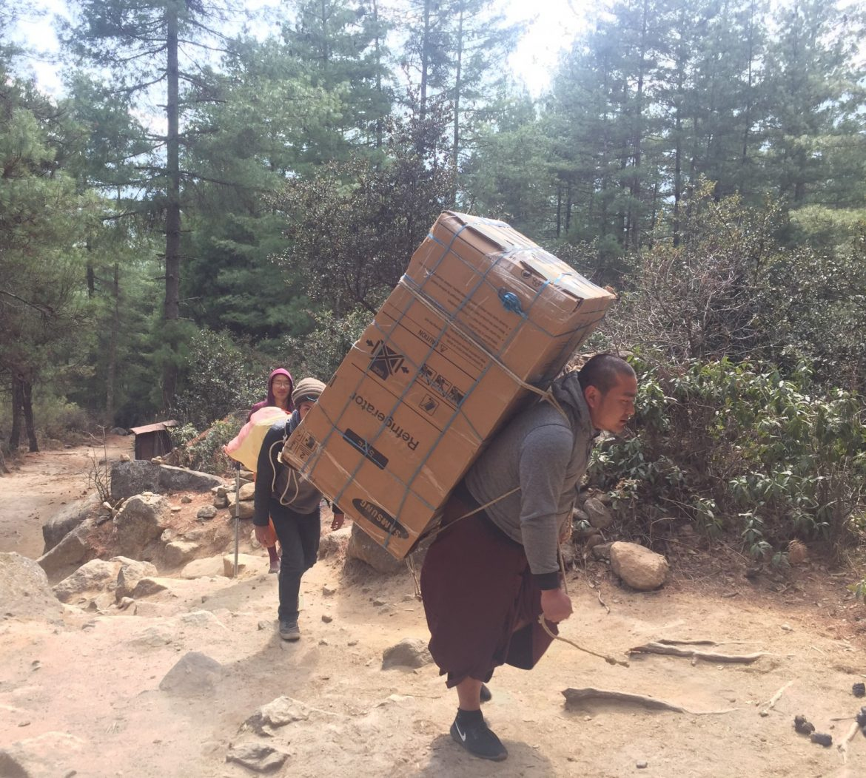 Tiikerinpesä Tiger's Nest jääkaappi matkalla ylös