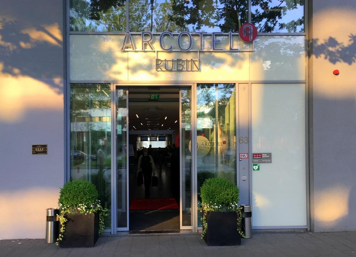 Arcotel Rubin hotelli - Hampurin matkan kustannukset