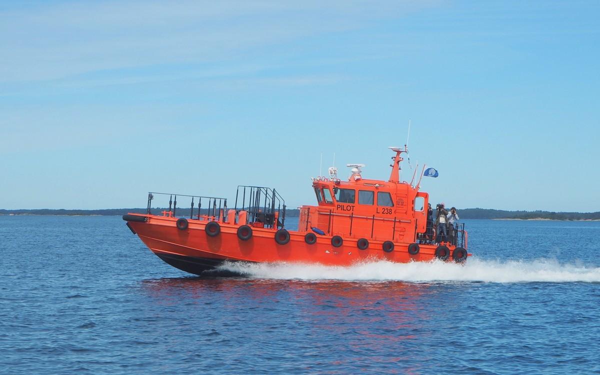 Luotsikutterilla Utöhön Utö luotsiasema majakka Tall Ship Races