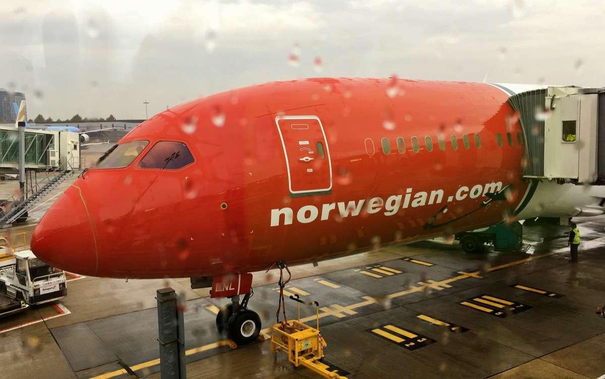 Norwegian dreamliner Gatwick