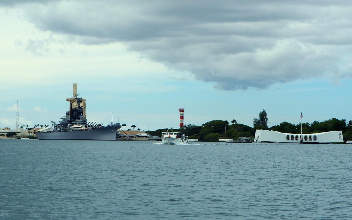 Pearl Harbour USS Missouri ja USS Arizona