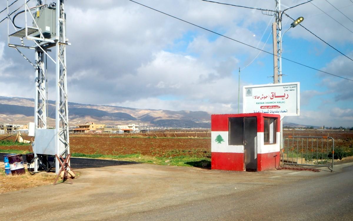 Tiesulkuja Bekaan laaksossa Koko Lähi-itä