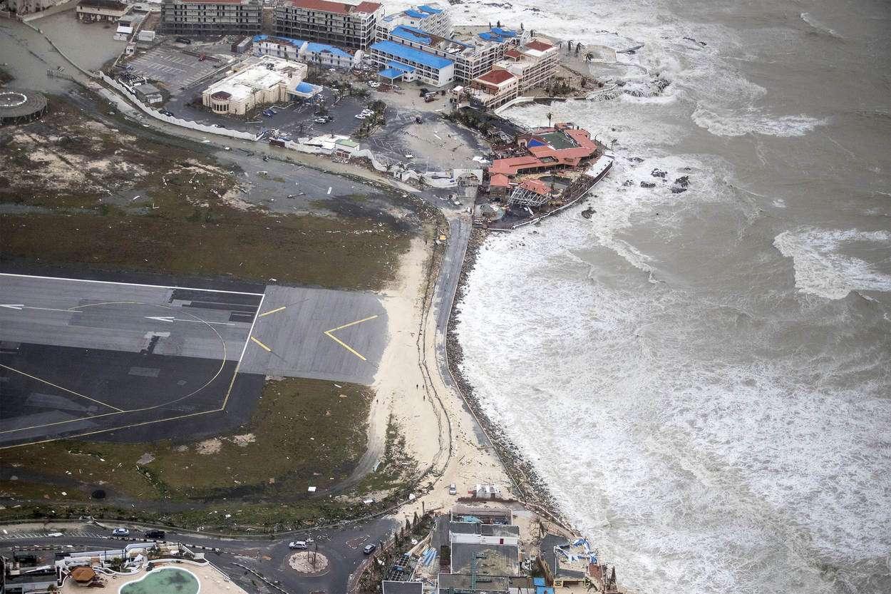 Maho Beach hurrikaanin jälkeen