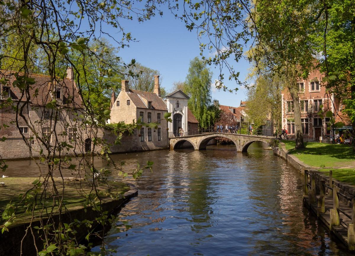 Kevättä Bruggessa