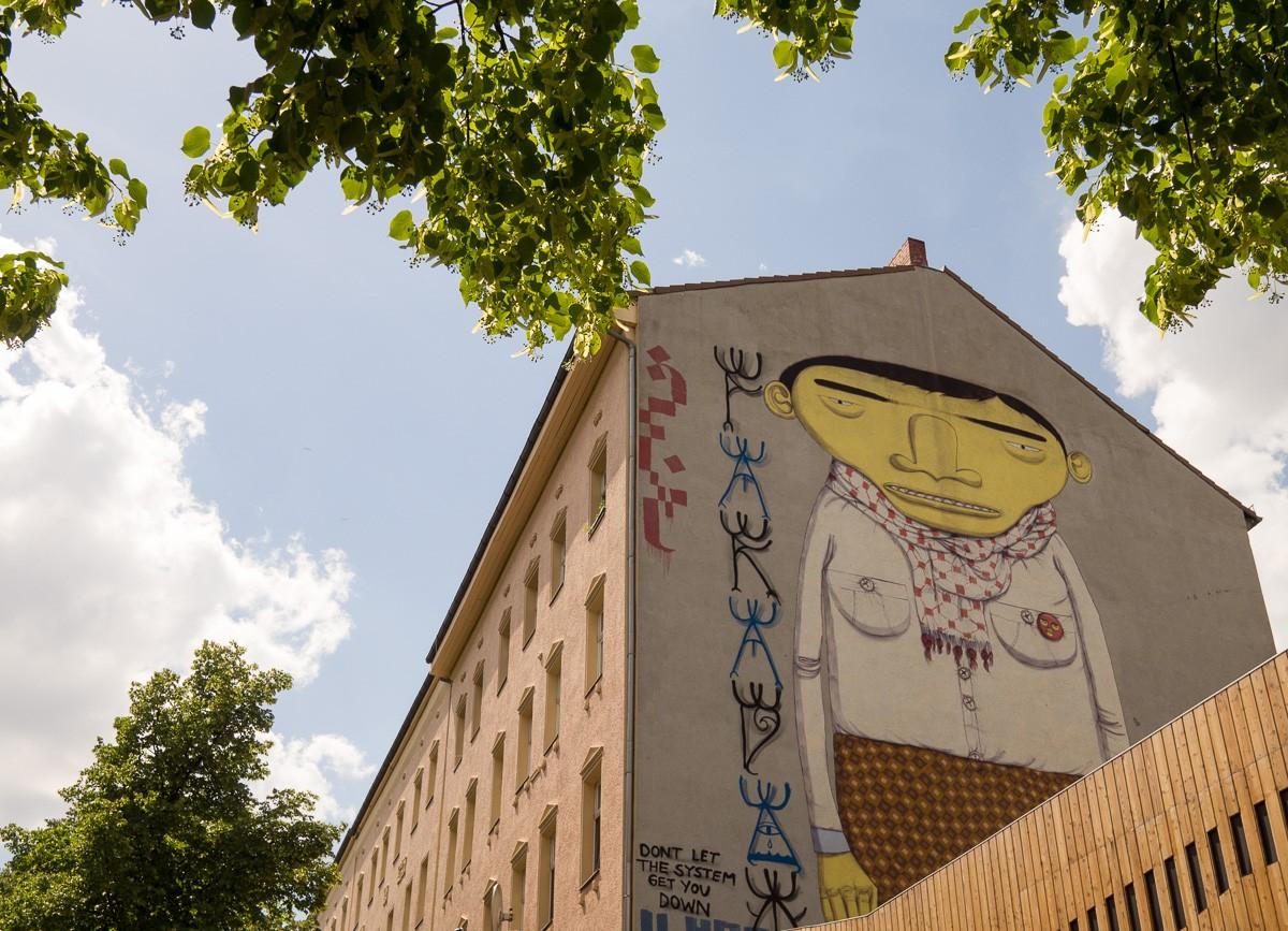 Berlin Street Art Yellow Man