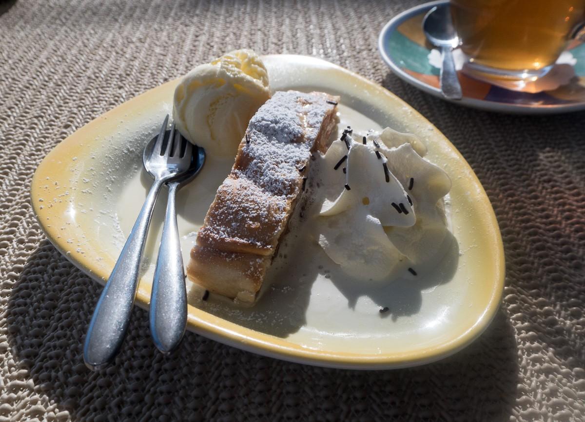 Kuchen und tee