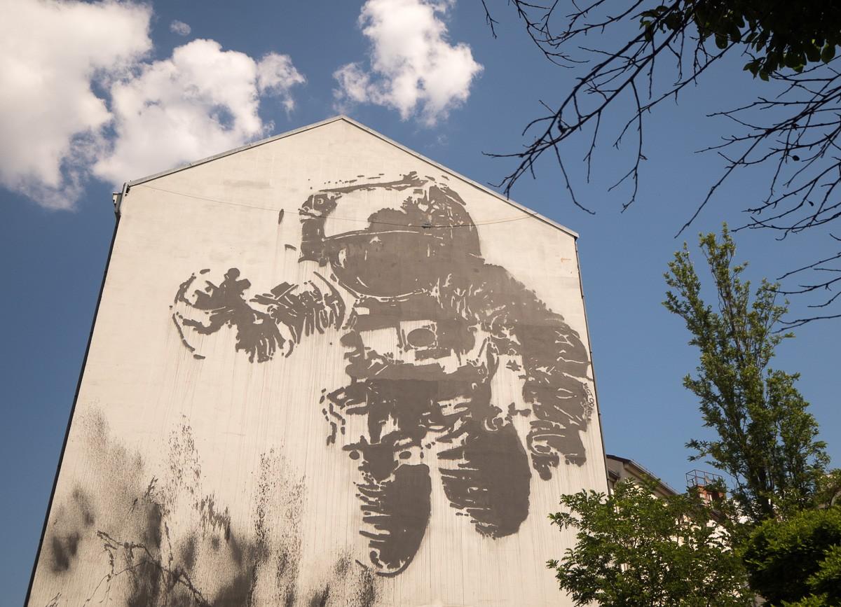Berlin Astronaut Victor Ash
