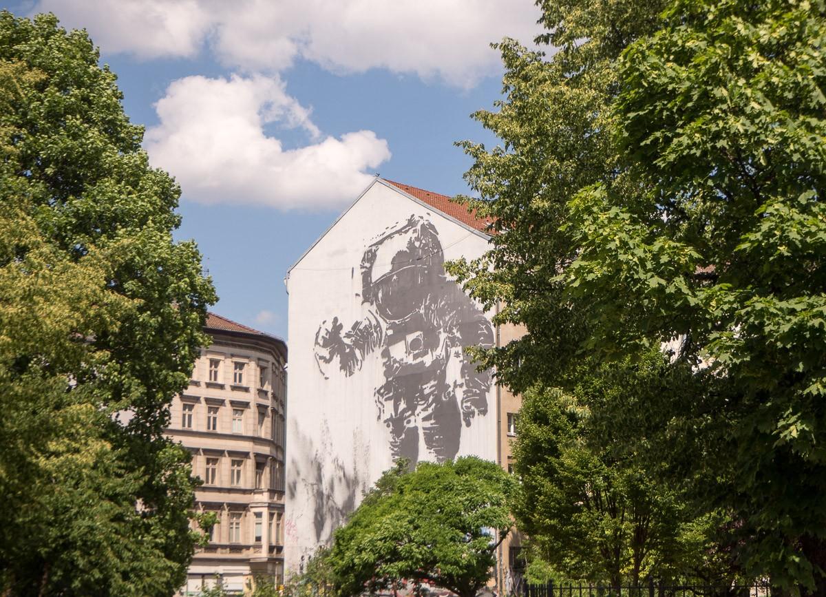 Berlin Astronaut Victor Ash Street Art Kreuzberg