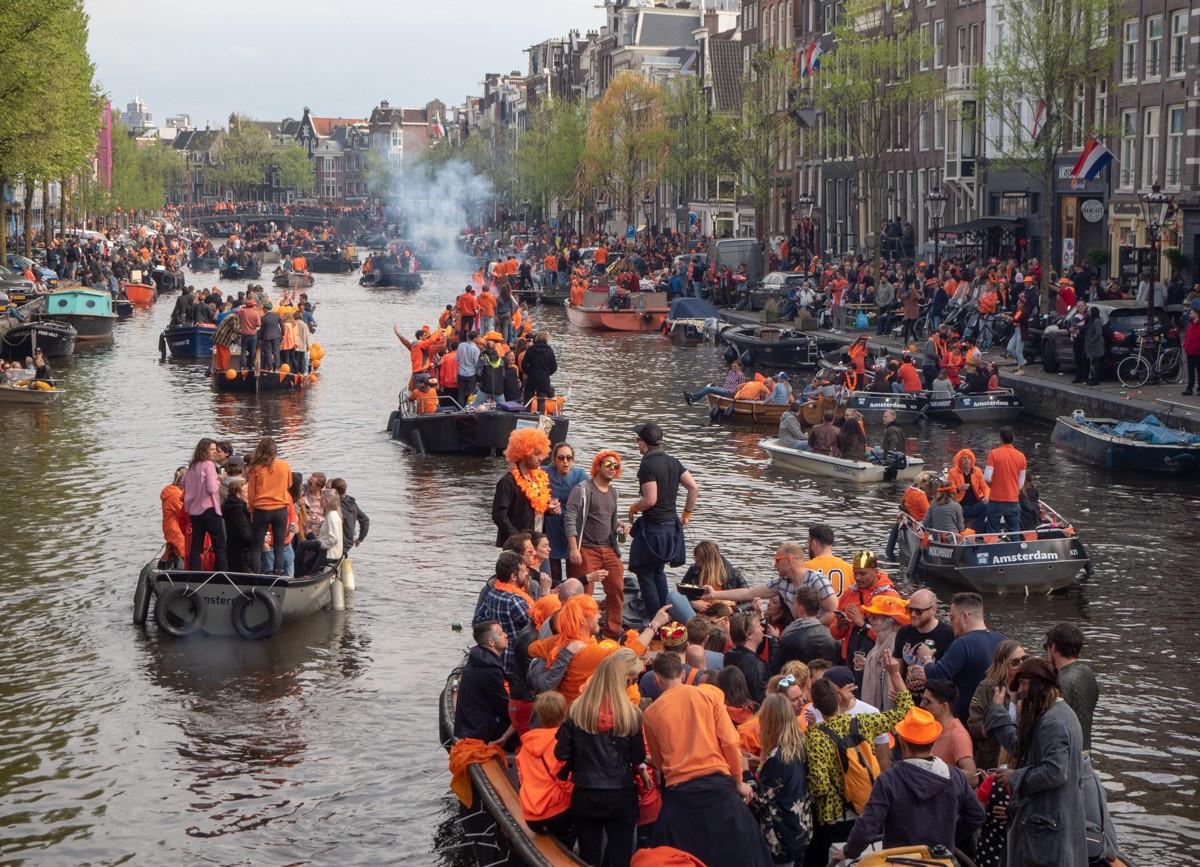 Kuninkaan päivänä Amsterdamissa