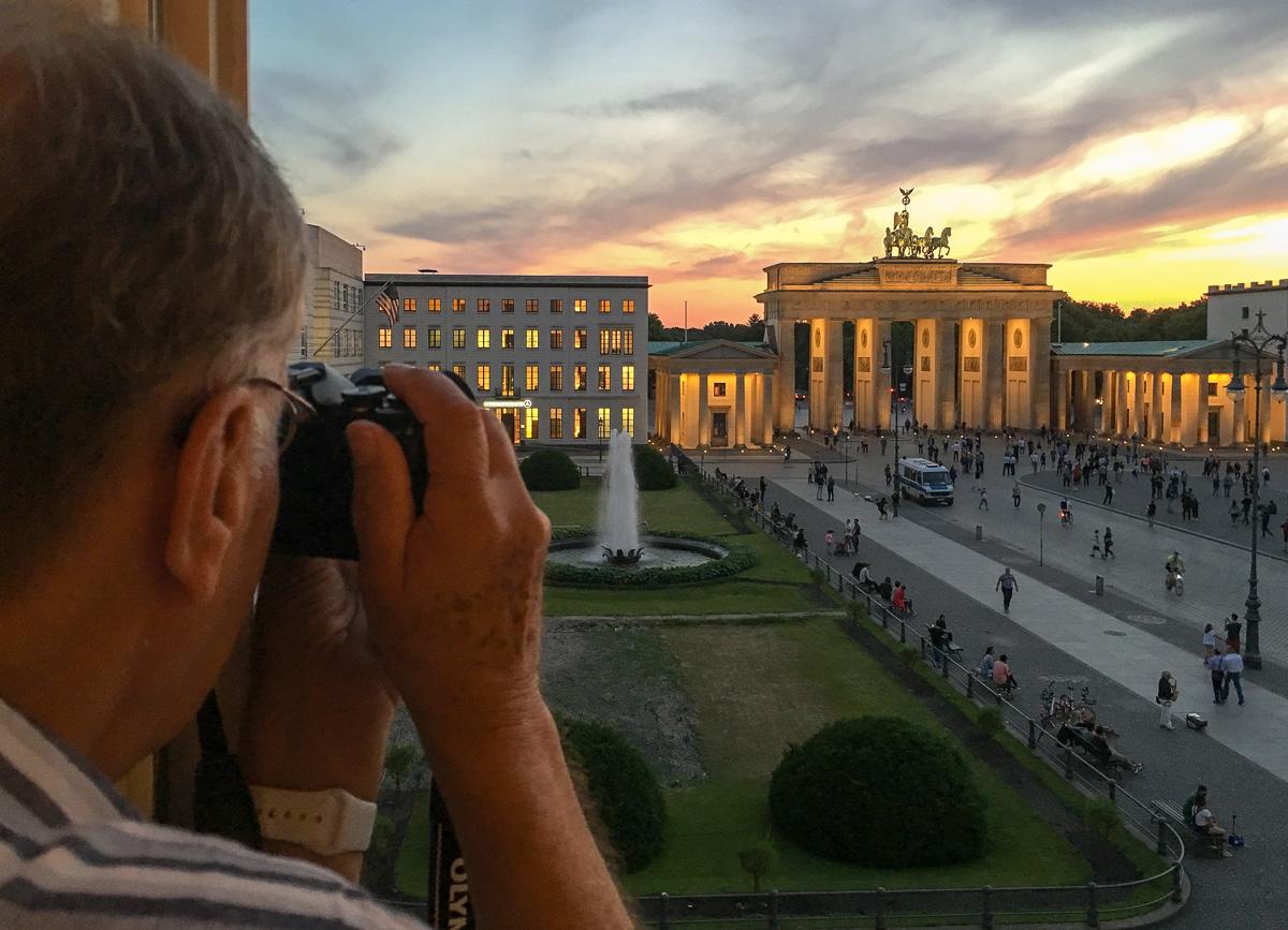 Hotel Adlon ja Brandenburgin portti