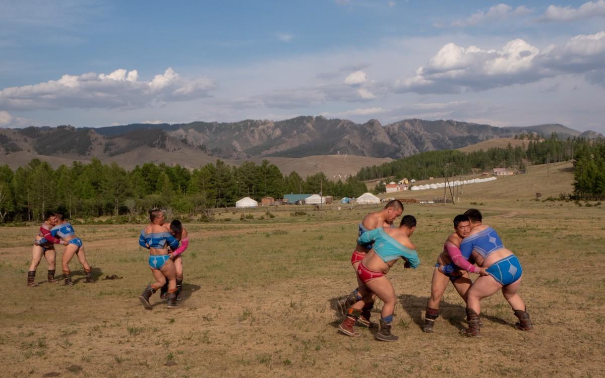 Mongolialaista painia Urheilua Mongoliassa