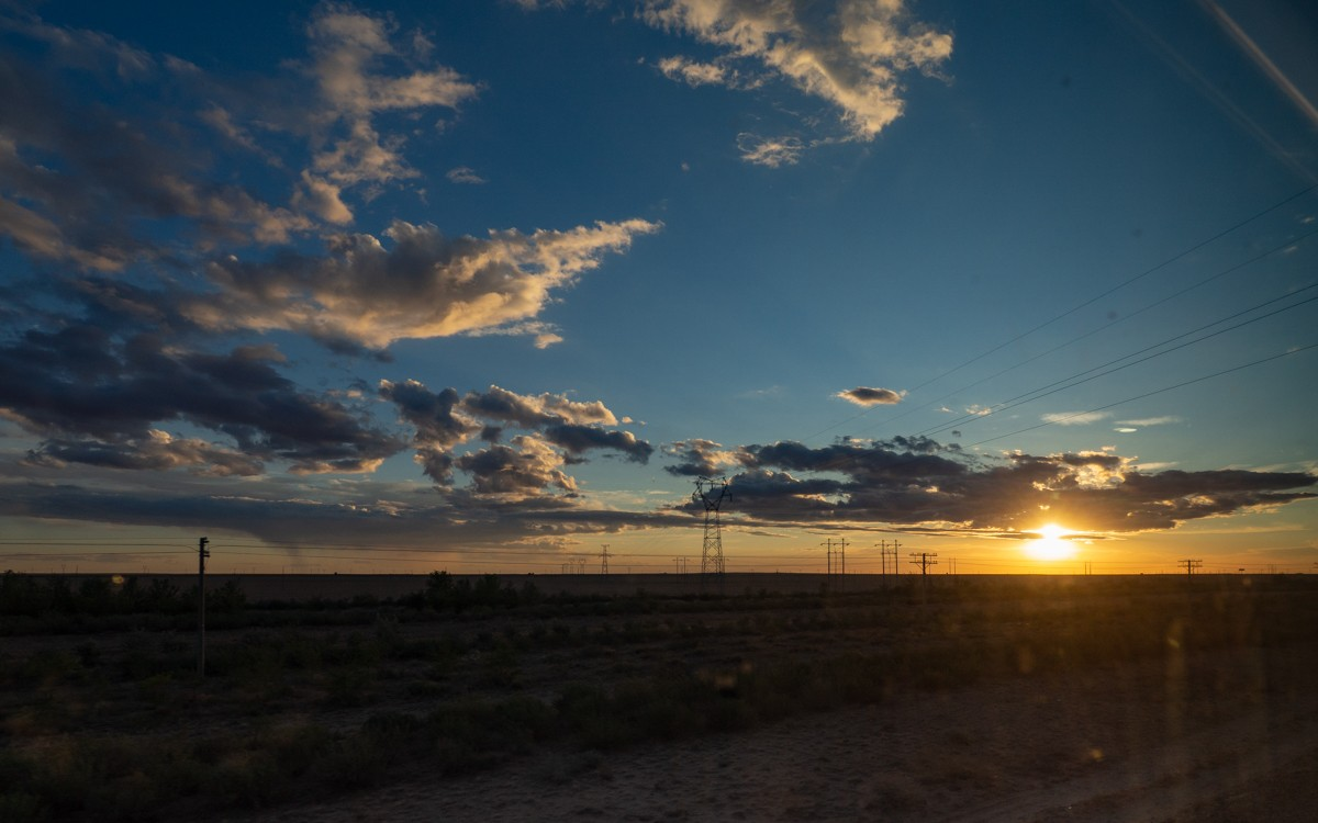 Auringonlasku Kiinan rajalla