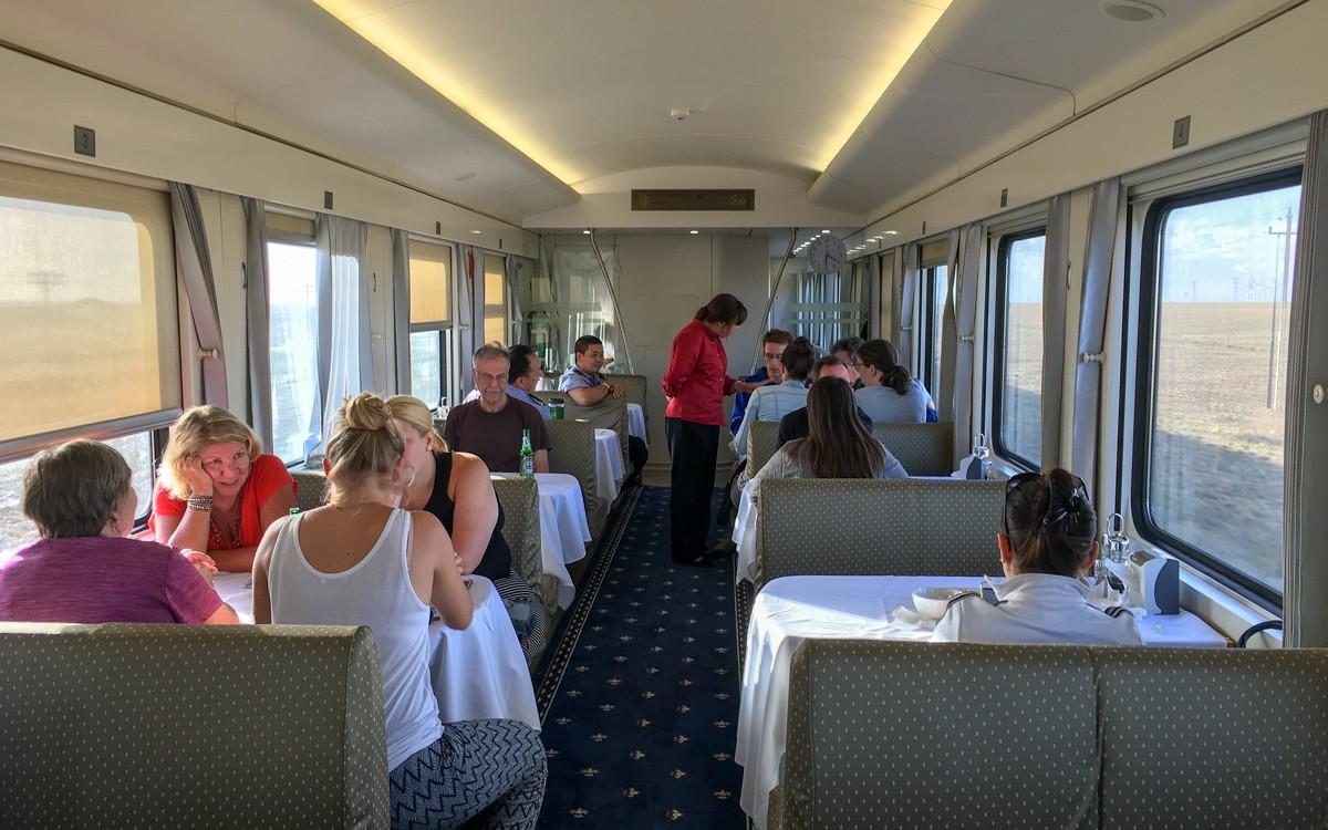 K23-juna ravintolavaunu