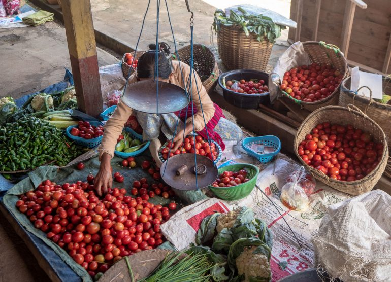 Inle Myanmar tomaatteja