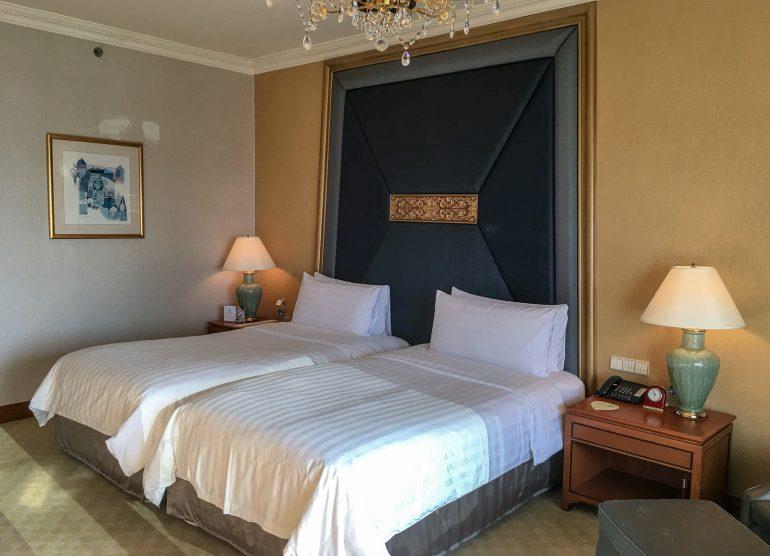 Shangri-La Bangkokin paras hotelli