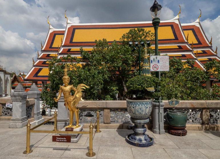 Smaragdibuddhan temppeli Bangkok - Bangkokin temppelit Chao Phraya -joen varrella