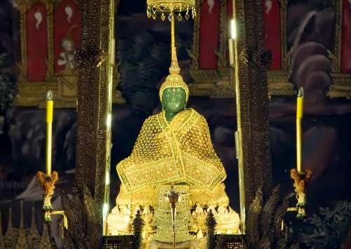 Smaragdibuddhan temppeli Bangkok