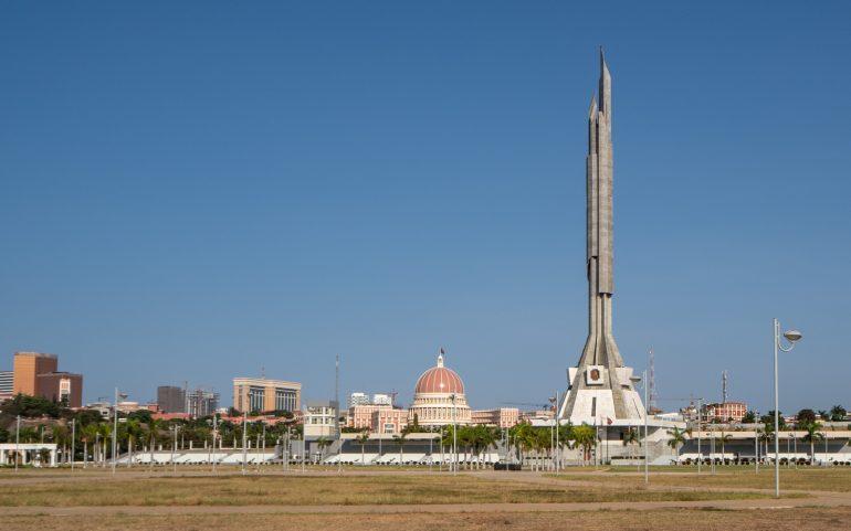 Luanda presidentin muistomerkki