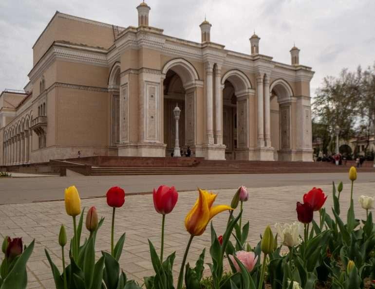 Alisher Navoi -teatteri Tashkent Shahrisabz Uzbekistan