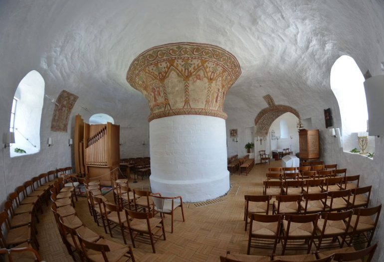 Nyker Church interior