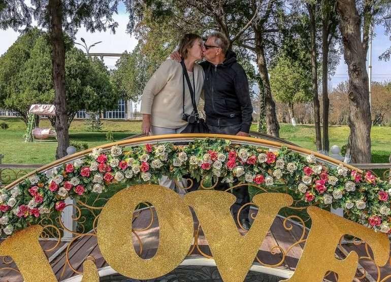 Keväinen suudelma Khujandissa