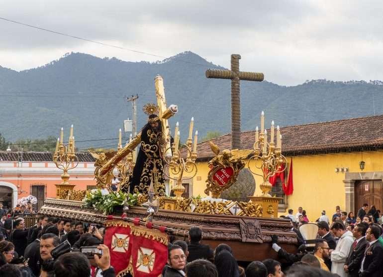 Antigua Merced-kirkko kulkue