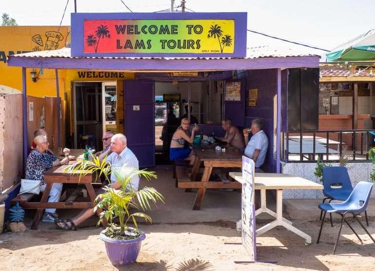 Lam's Toursin toimisto