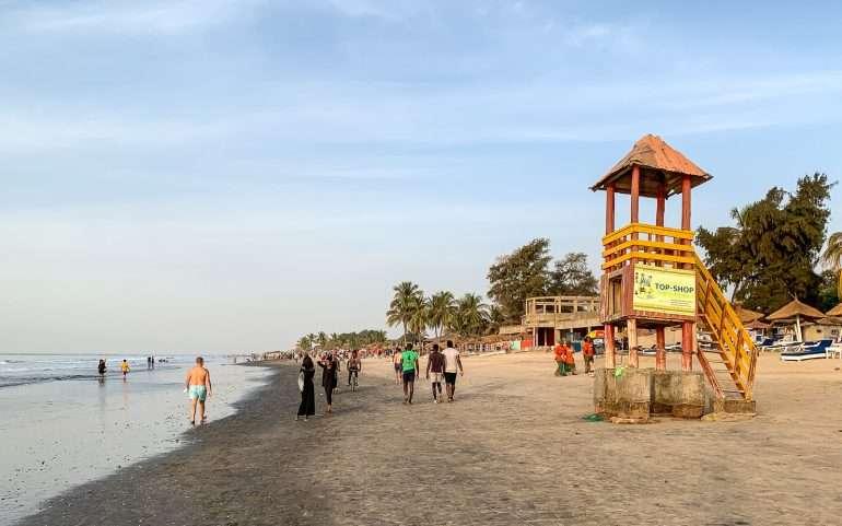 Gambiassa rannalla