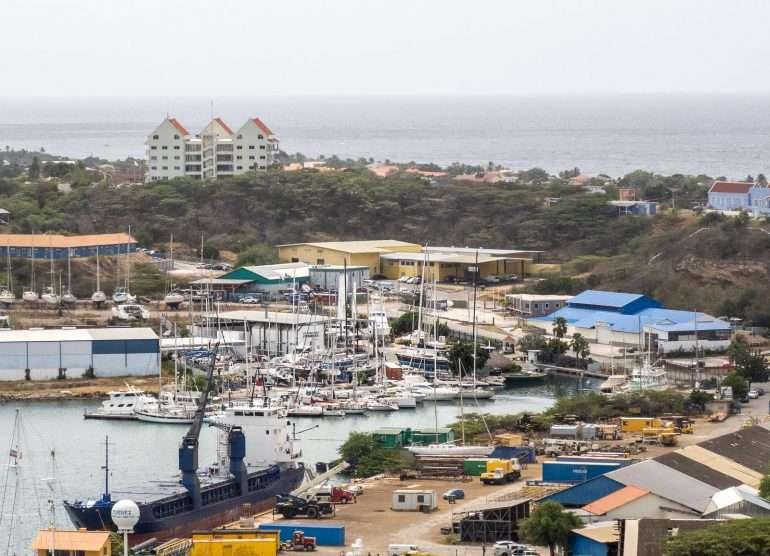 Curacao saarikierros pienvenesatama